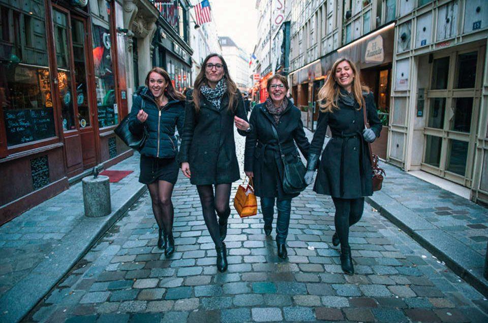 Portraits de famille mères-filles à Paris