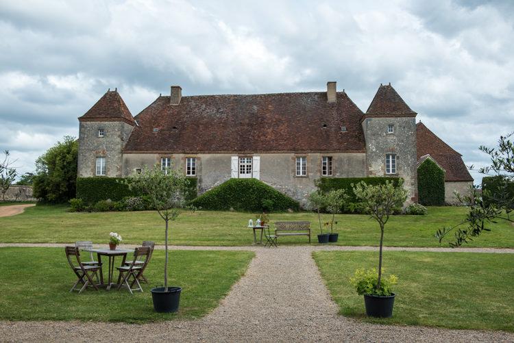 mariage-champetre-chateau-des-vieux-melays-auvergne-12