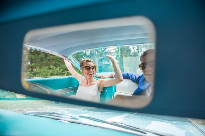 Mariage Montpellier - Voiture ancienne - Cadillac bleue